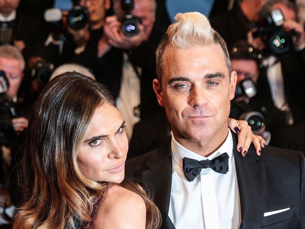 Robbie Williams Feiert Geburtstag Seiner Tochter Mit Der Leihmutter Trend Magazin Robbie Williams Leihmutter Tochter