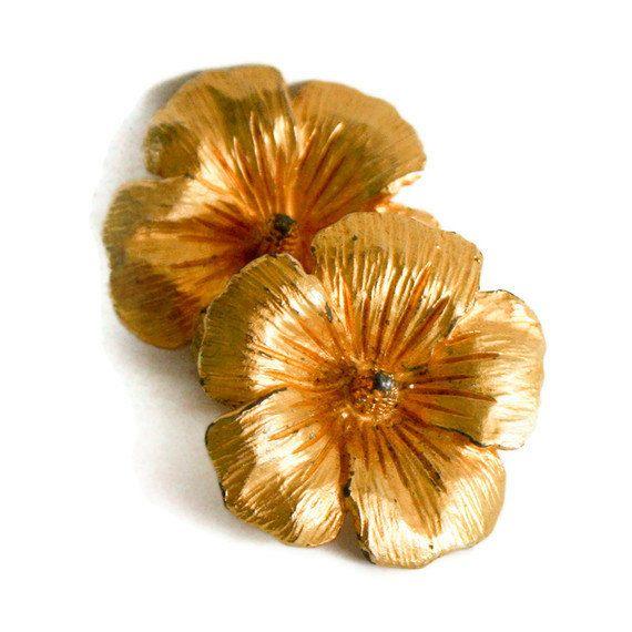 Gold Flower Earrings Hibiscus Earrings Etsy Gold Flowers Flower Earrings Etsy Earrings