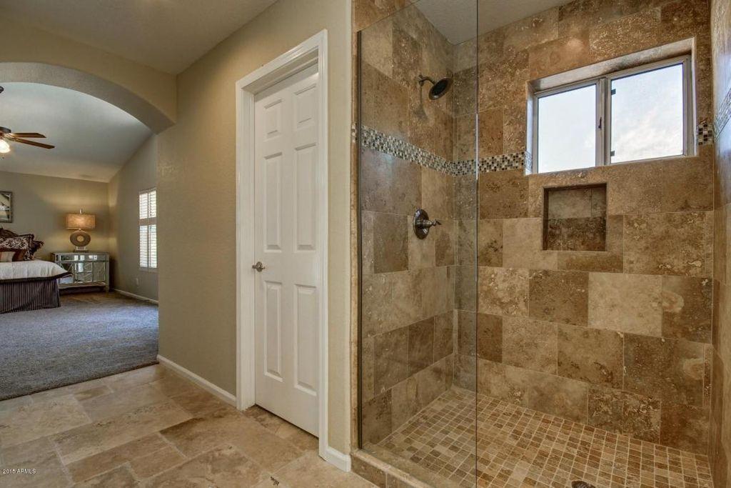 Traditional Master Bathroom With Daltile Sonoma Brushed Chiseled - Daltile scottsdale az