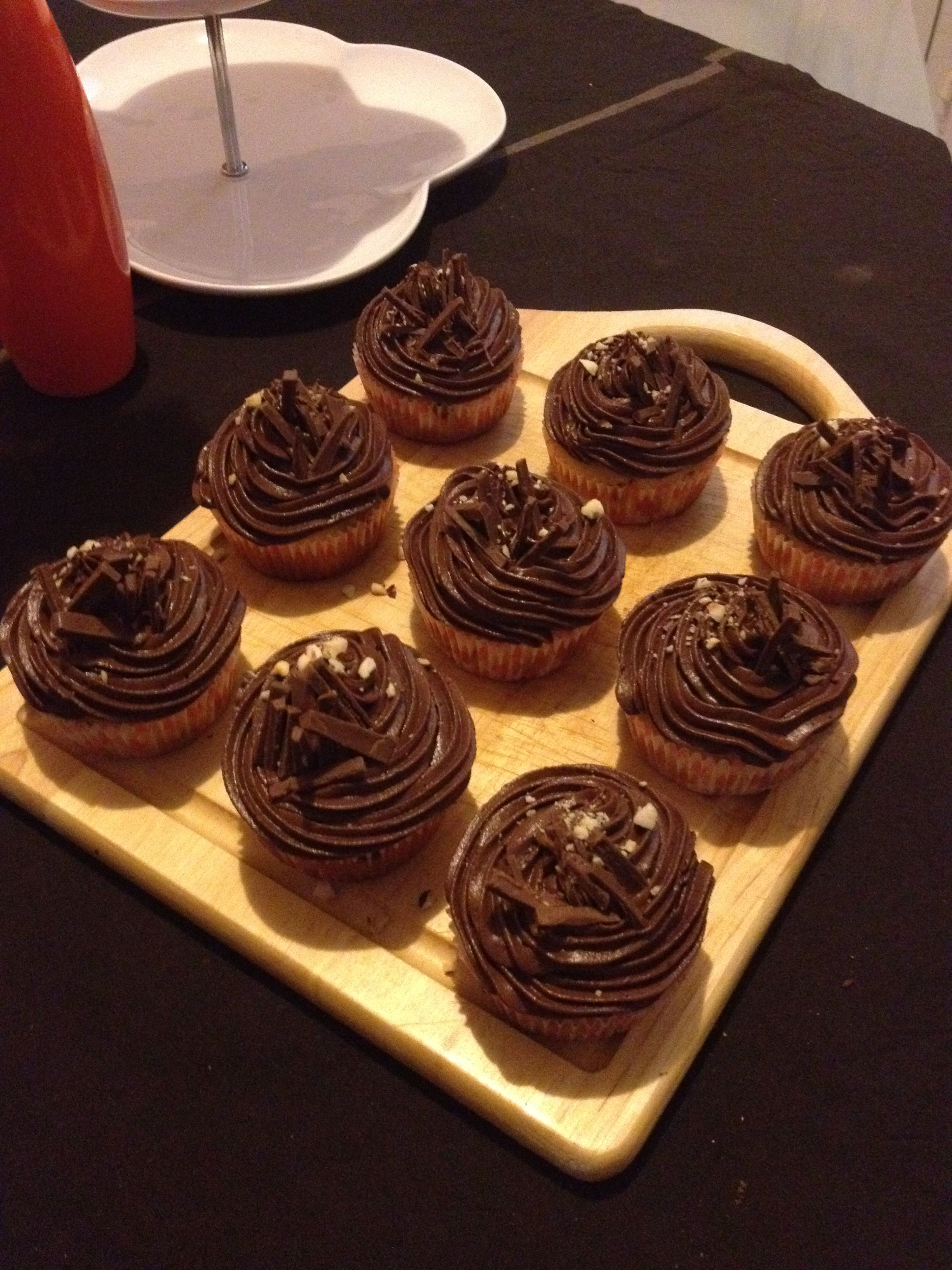 guilty pleasure: chocolate cupcakes with nutella icing