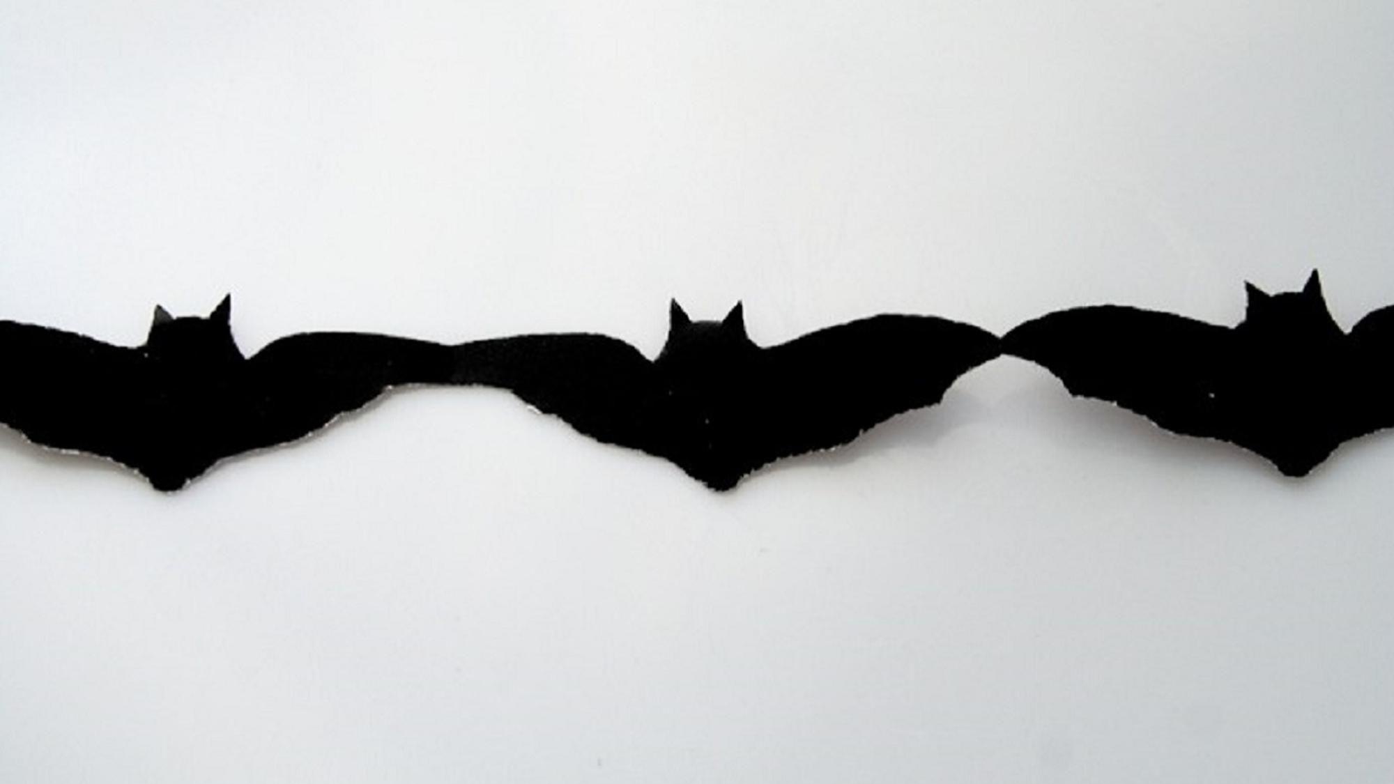 Fledermaus-Girlande für Halloween. Mit dieser Vorlage leicht