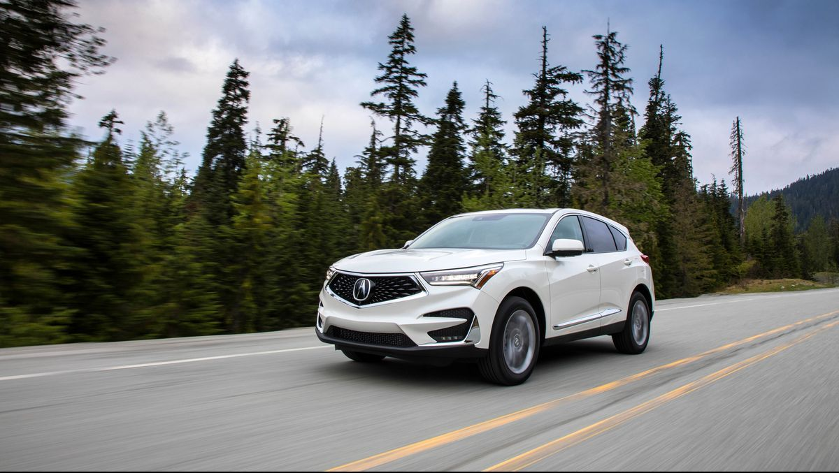 After Getting An Overhaul In 2019 Acura Is Continuing With The Same Iteration Of Its Popular Suv The Rdx In 2020 As Acura Rdx Mid Size Suv Car