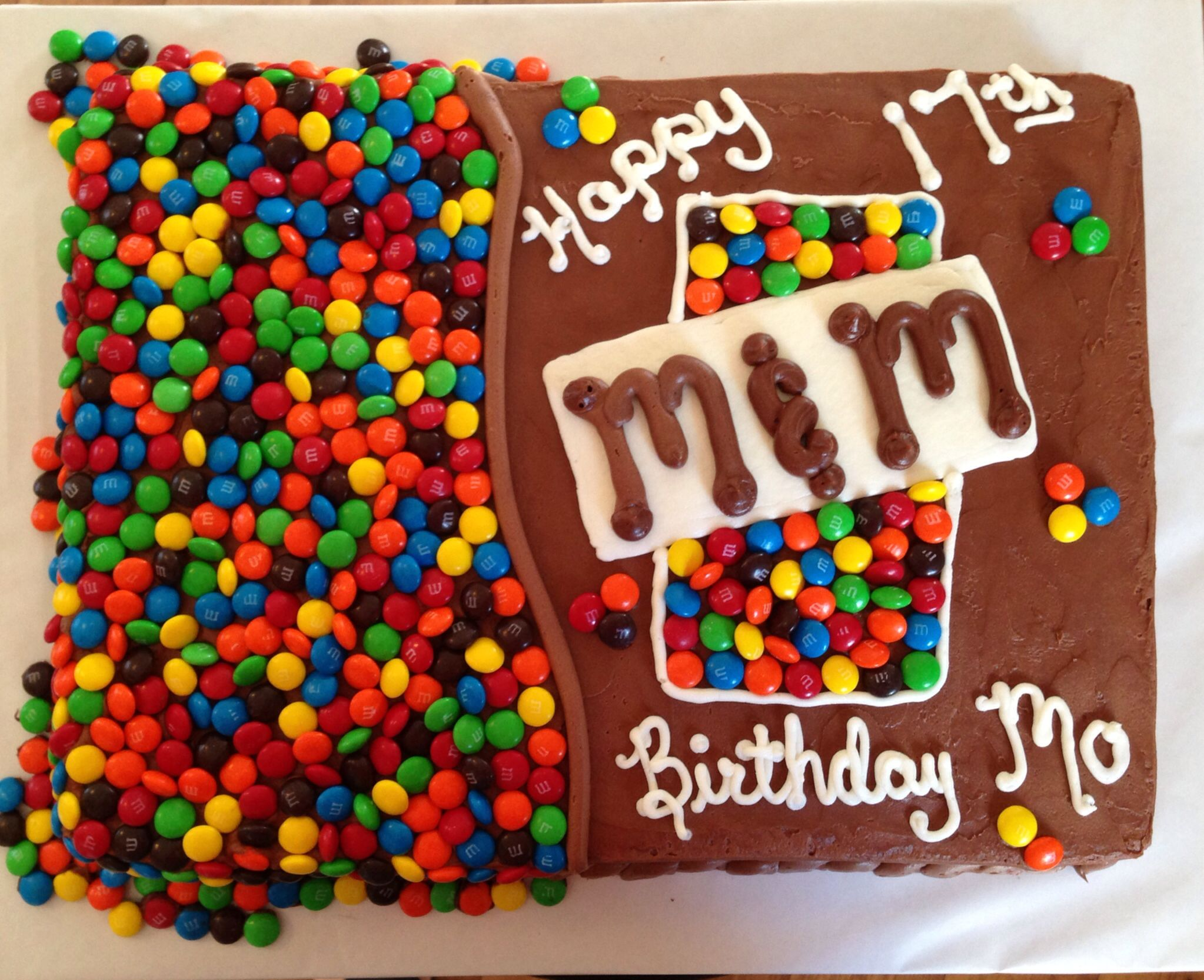 MM birthday cake Decorated Cakes Cupcakes Pinterest