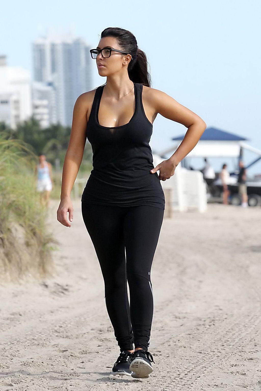 Kim Kardashian flaunts 119lb figure in eye popping bikini