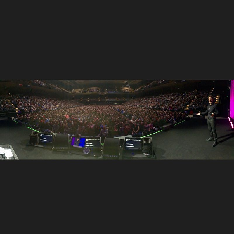 Hey Baltimore!.. All 10213 of you!  Thanks for the big night of giant laughs!  You were fantastically great!  See you next time!! #JeffDunhamLive by jeffdunham