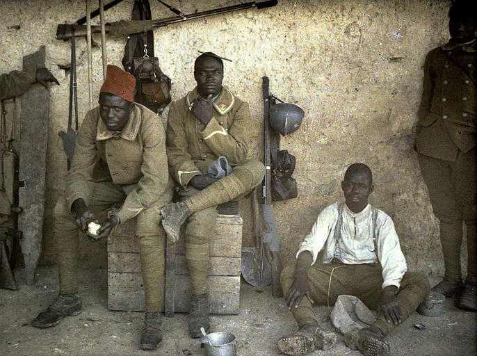 Soldados de las colonias francesas en África