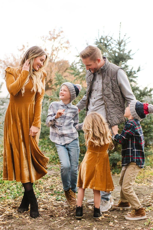 tree farm family photos. matching dresses by ivycityco.com