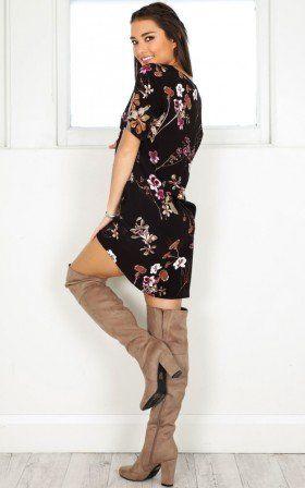 Way It is shift dress in black floral