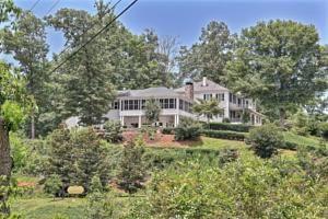 Dillard Ga Rabun Manor United States North America Is Conveniently Located
