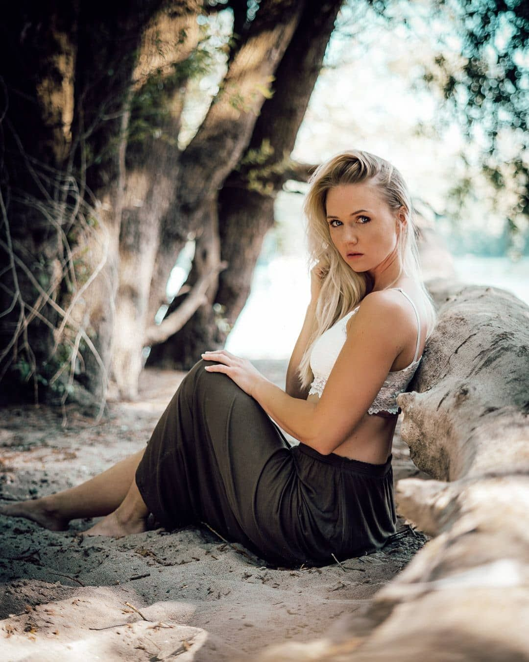 Julia . . . . . #shooting #photoshooting #fotografie #portraitphoto #photographylovers #justaportrait #globe_portraits #portraittalents #portraitsvisuals #portraitphoto #portrait_ig #fotografkarlsruhe #Karlsruhe #naturelovers #nature #outdoor #beach#sunshine #summerfeeling #summerstyle #beauty #modeling #girls #justgoshoot #picoftheday #sonyalpha #germany #stefanbarth_fotografie