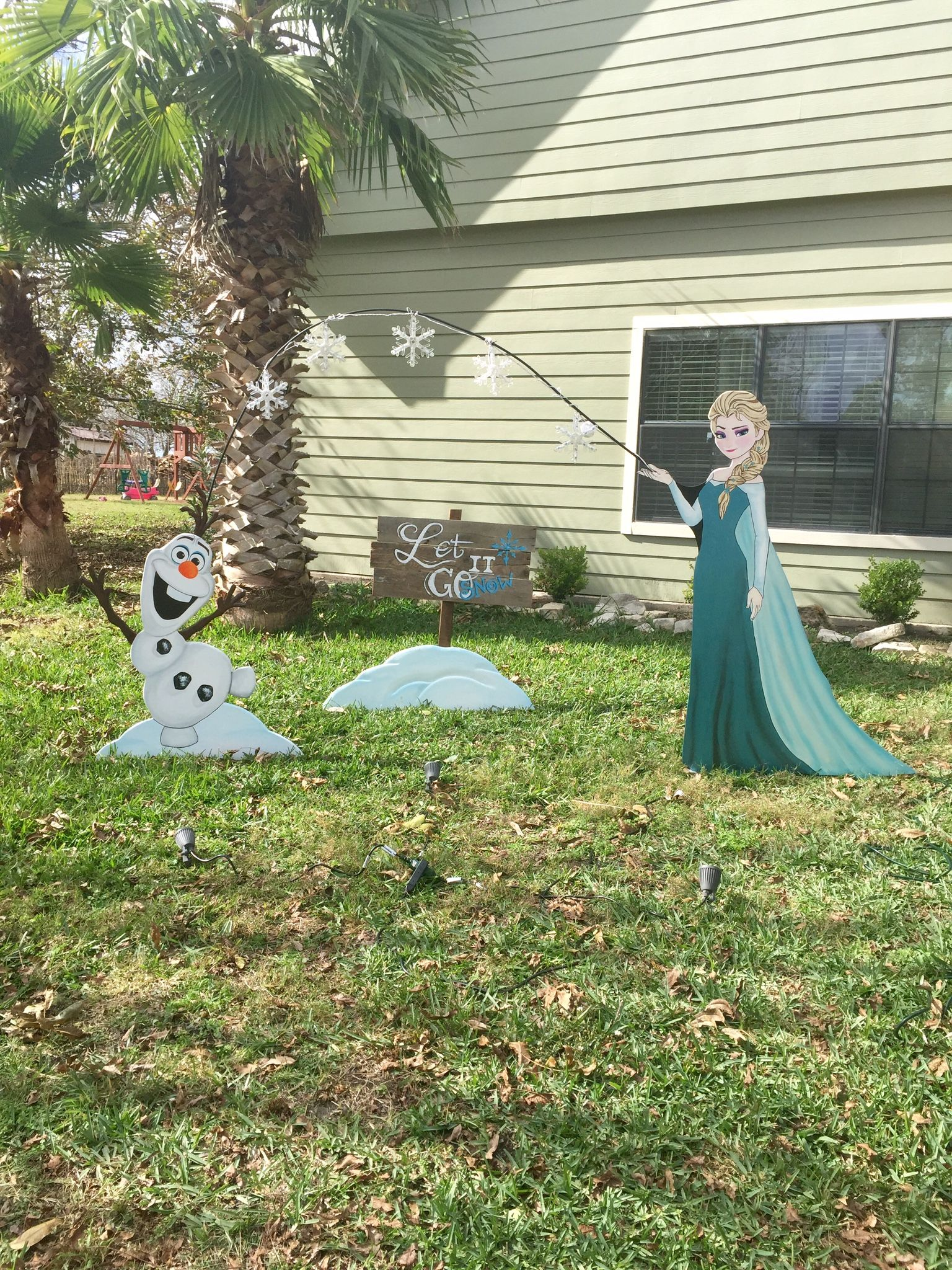 Wood yard decorations - Disney S Frozen Elsa And Olaf Lawn Ornaments By Nevermore Creations