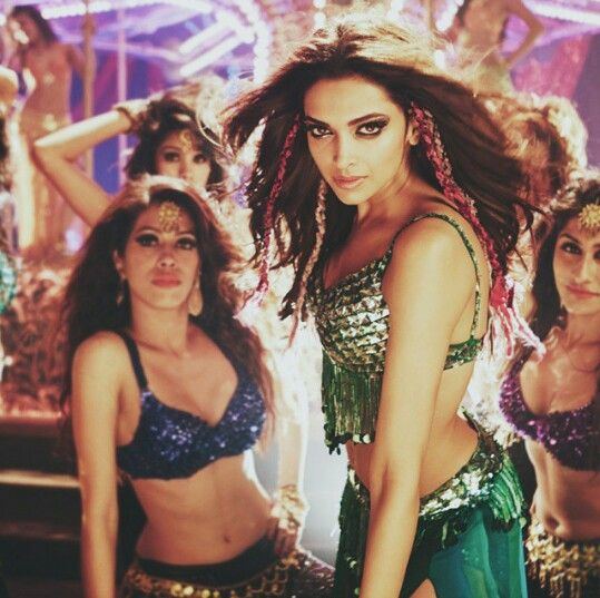 Deepika Padukone In The Song Lovely Happy New Year Dance Workout Going To The Gym Bollywood Actress