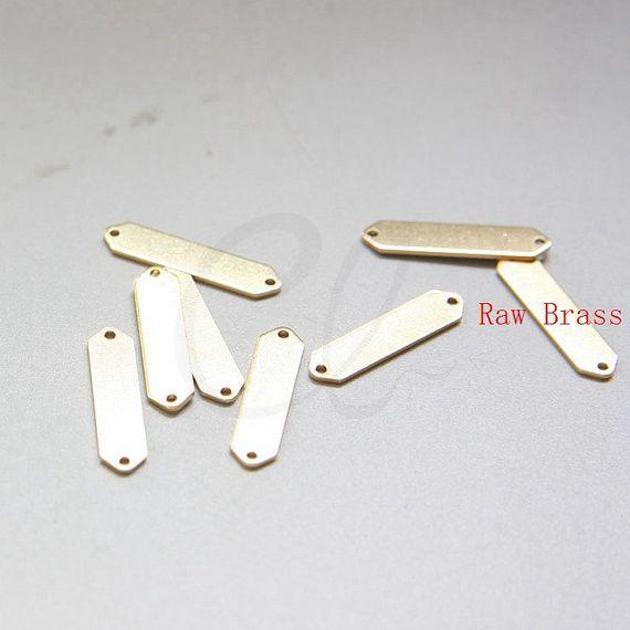 Brass Base Triangle Link - Geometry - Arrow 21x5mm (3075C)