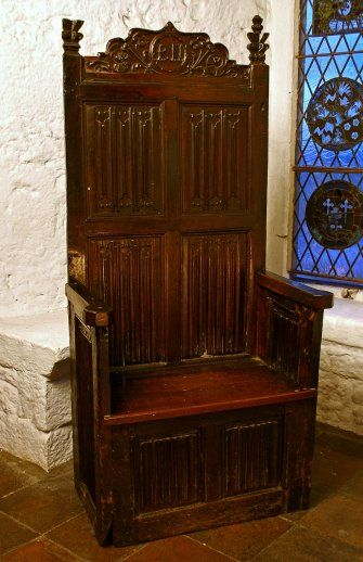 Late 15th C Chair Bunratty Castle Medieval Collection