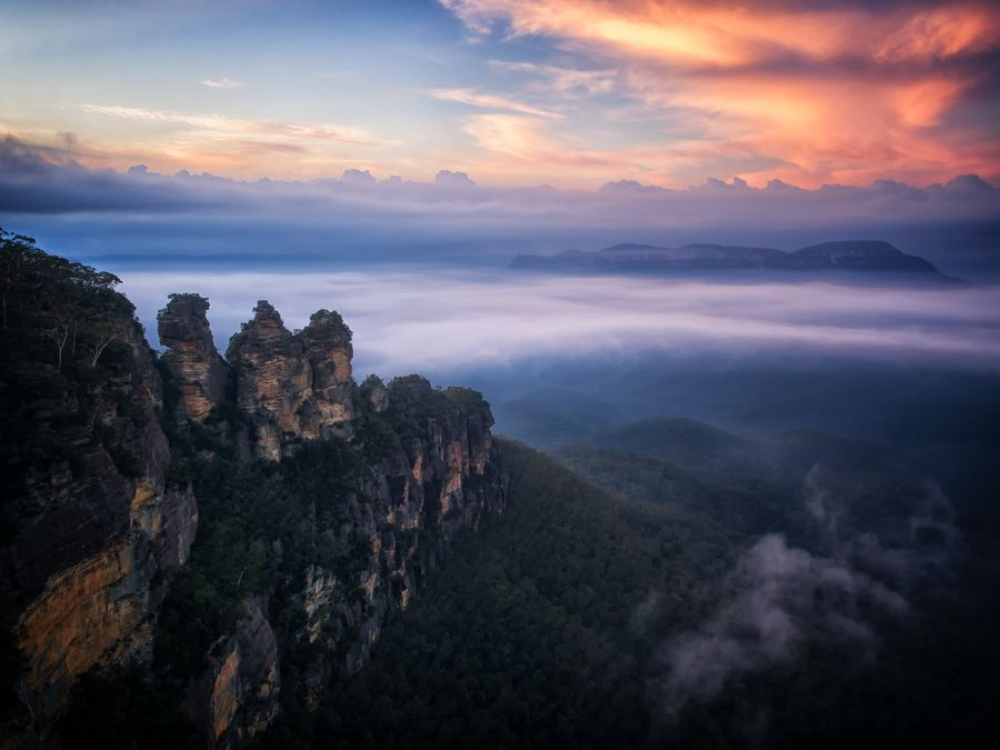 The Three Sisters Blue Mountains Australia By Paul Emmings Blue Mountains Australia Winter In Australia Beautiful Places Nature