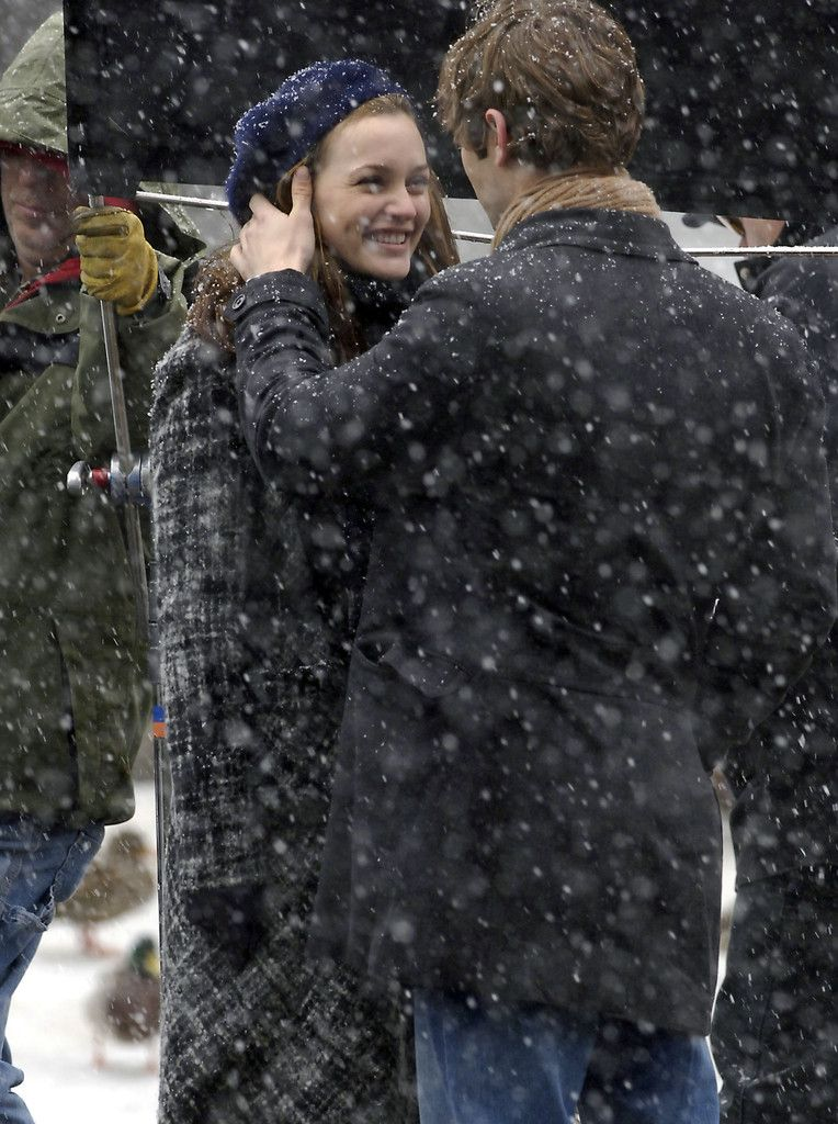 Chace Crawford and Leighton Meester Film in Central Park