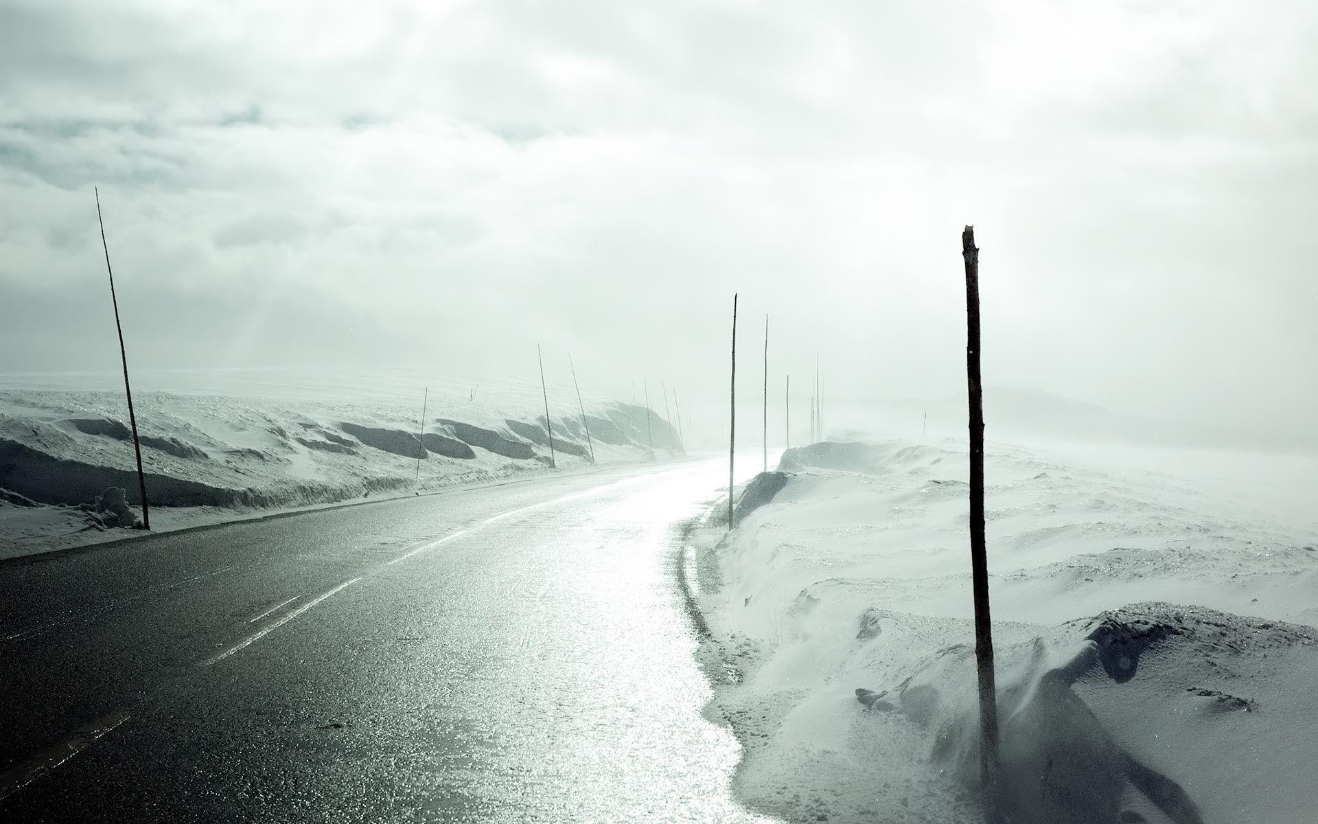 Widescreen HD Wallpaper > Nature / Flowers > Winter road Widescreen wallpaper