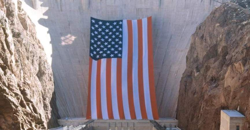Was The World S Largest U S Flag Displayed At Hoover Dam