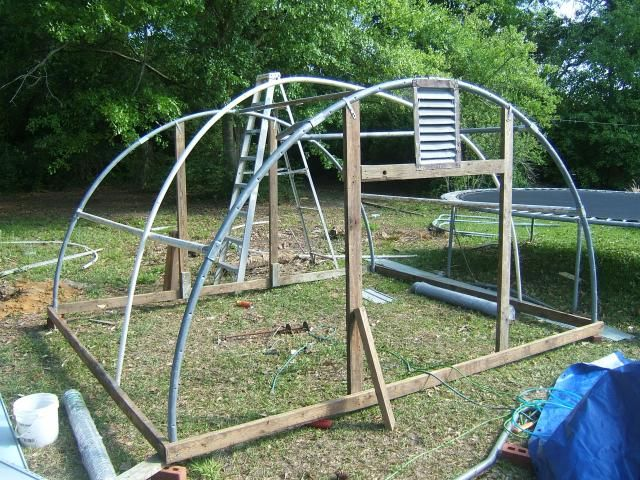Made From A Trampoline Frame Http Www Backyardchickens