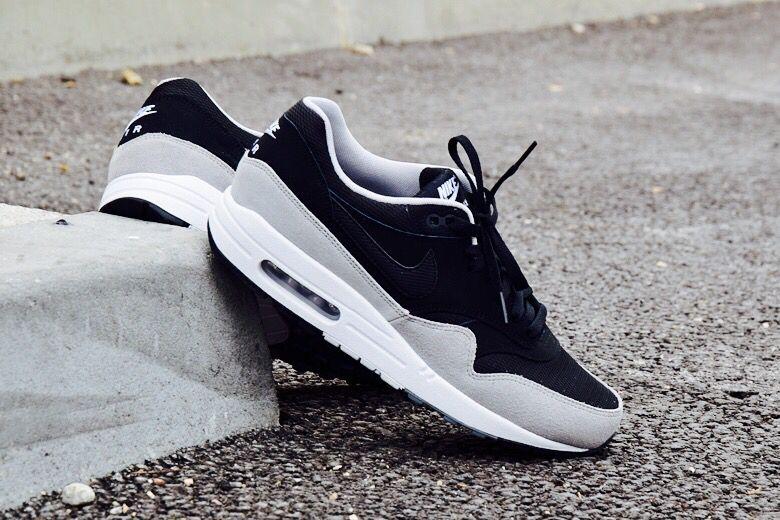 buy popular 97aa4 3c23e Nike Air Max 1 Black Flint Silver
