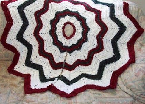 Donna's round ripple crocheted Christmas tree skirt