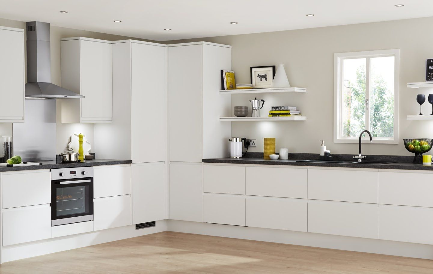clerkenwell matt white contemporary kitchen from howdens. Black Bedroom Furniture Sets. Home Design Ideas