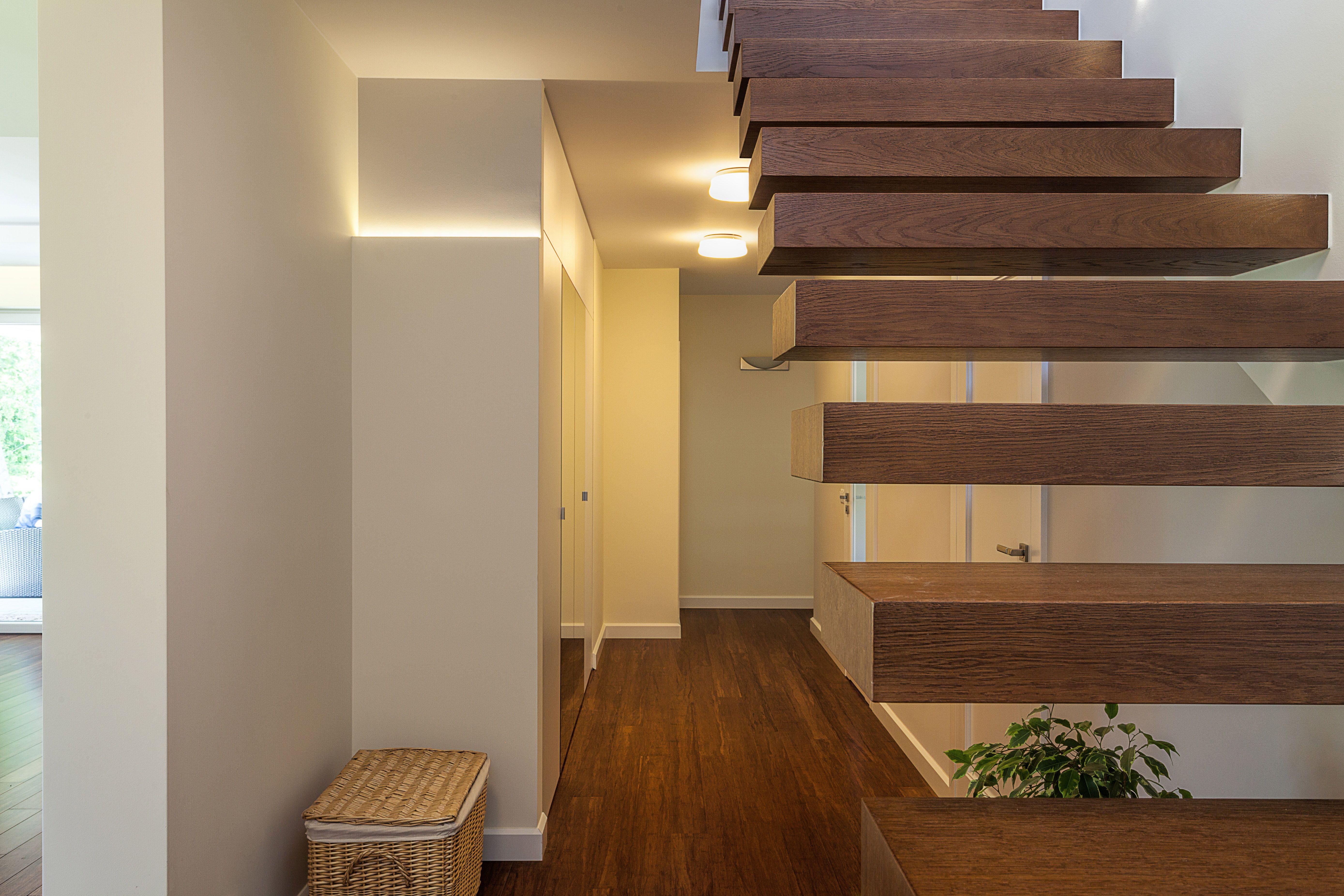 No Railing - Minimalist Staircase - Simply Beautiful ...