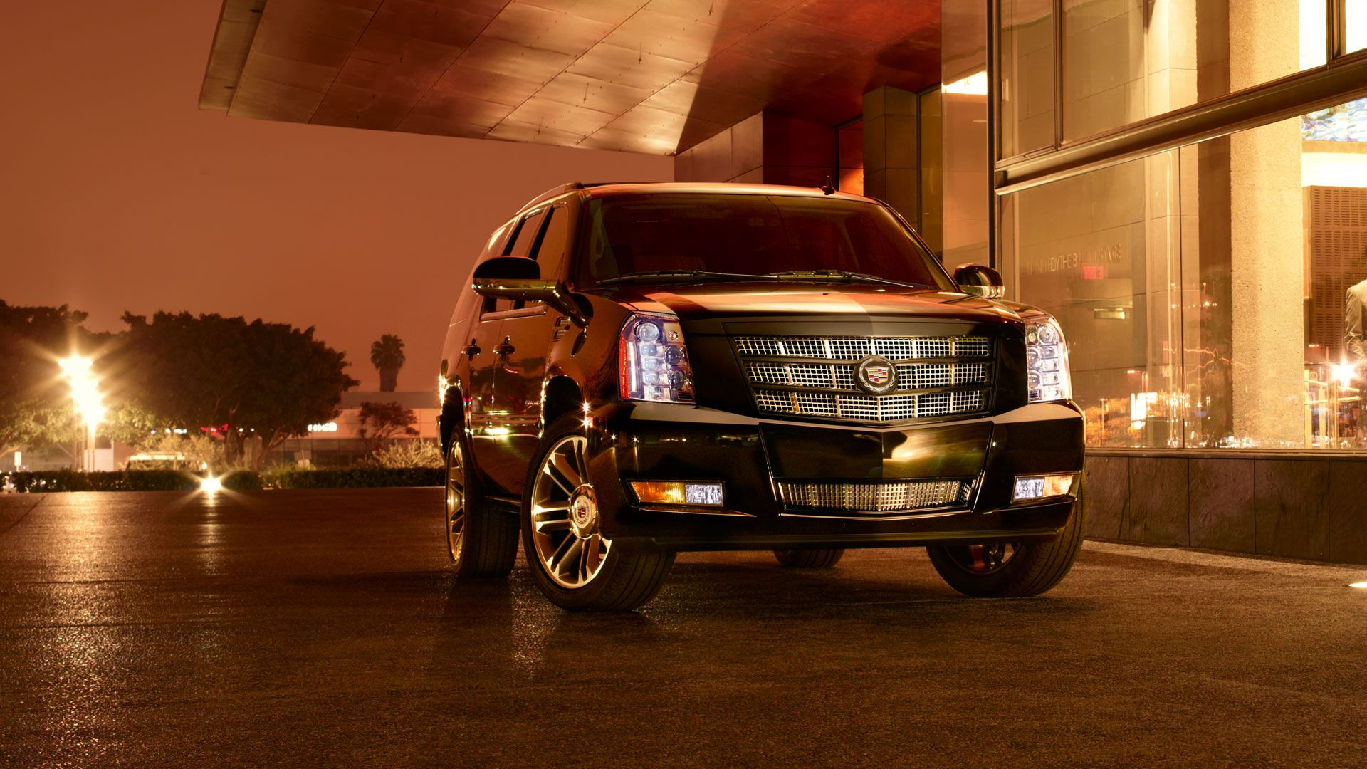 General Motors 2012 Cadillac Escalade Gmcom The Leading 200 Esv