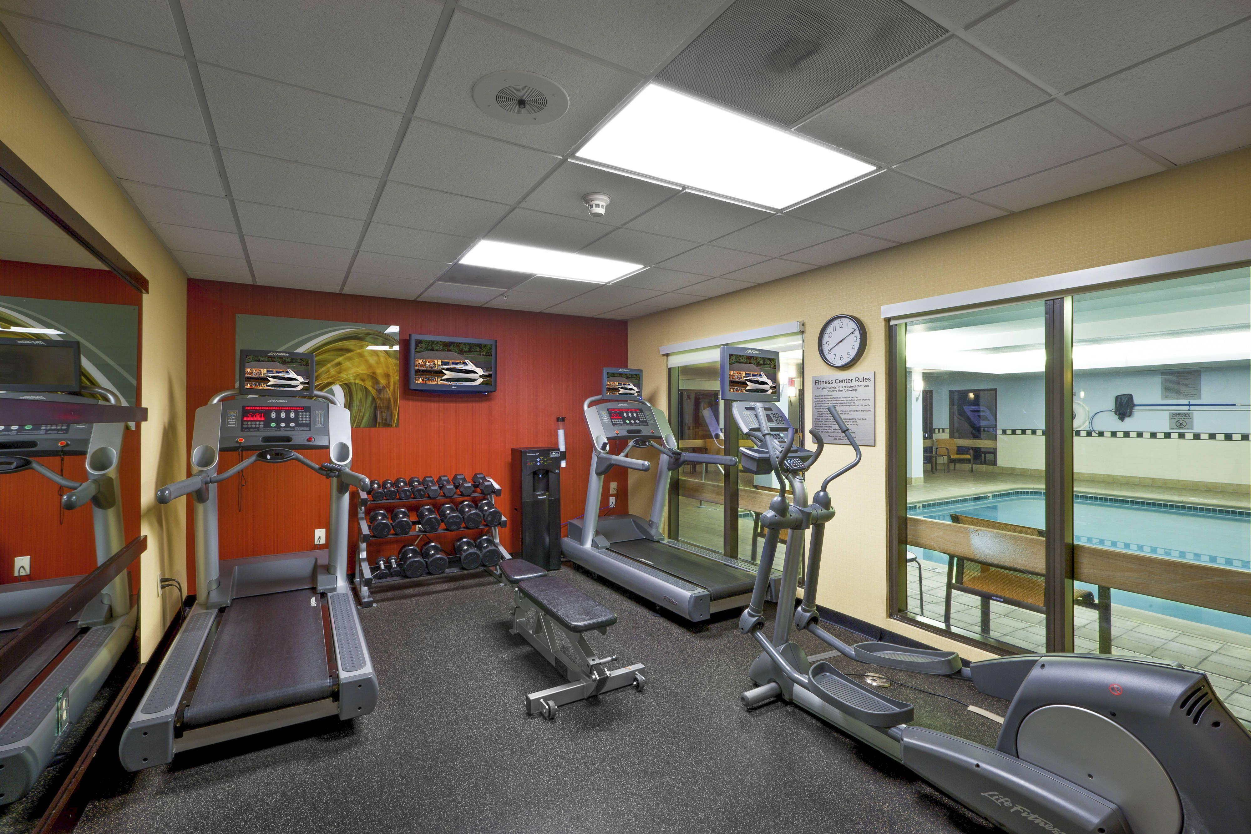Courtyard baton rouge siegen lane fitness center holiday