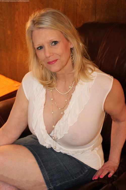 blonde Thick moms mature