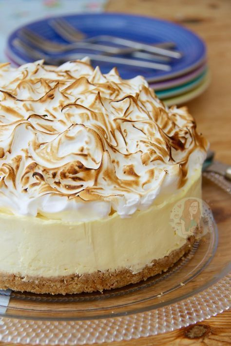No-Bake Lemon Meringue Cheesecake! #lemonmeringuecheesecake