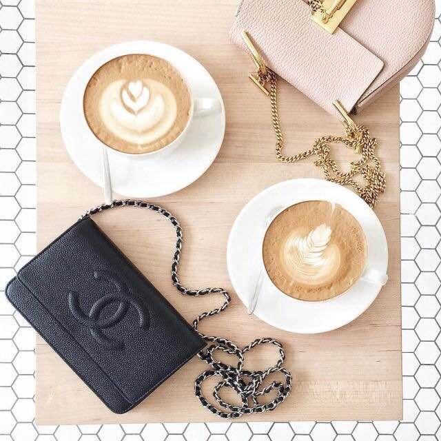 We know how to start the day : coffee and Chanel <3 Lifestyle inspiration, how to start your day right breakfast ideas, comment bien débuter la journée, idée de petit-déjeuner, como empezar el día, ideas de desayuno www.potoroze.com