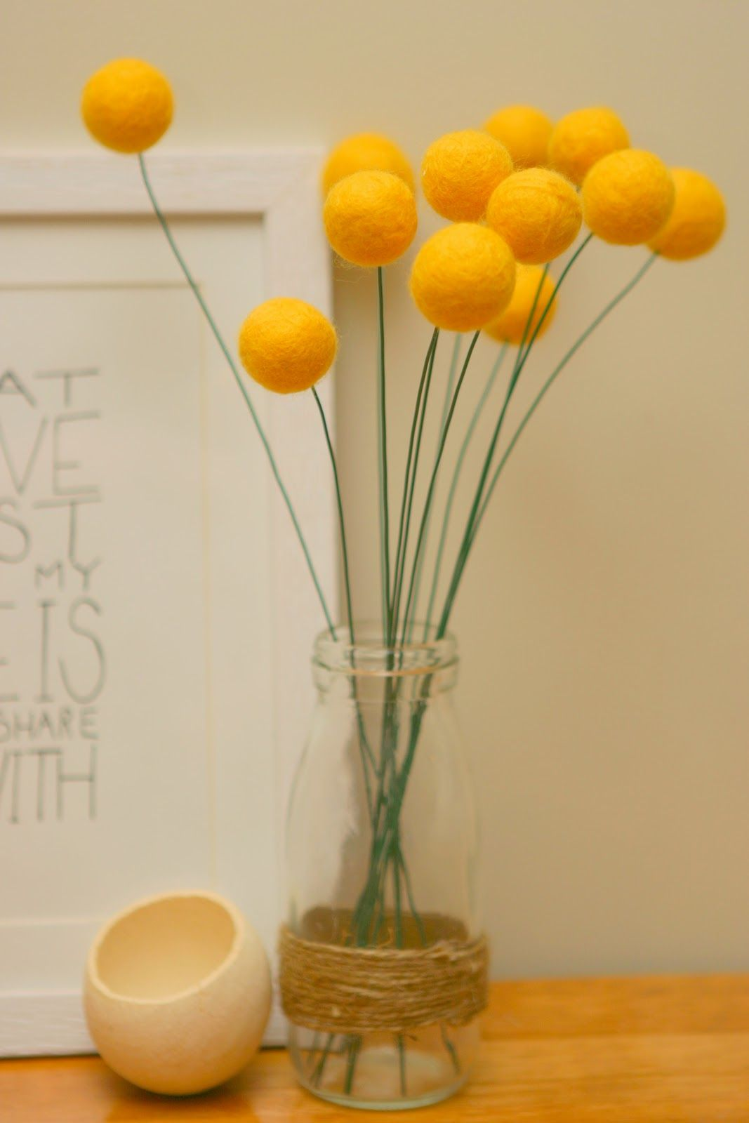 Dans Le Townhouse Diy Felted Wool Billy Button Success Story Decoracion De Unas Fieltro Flores