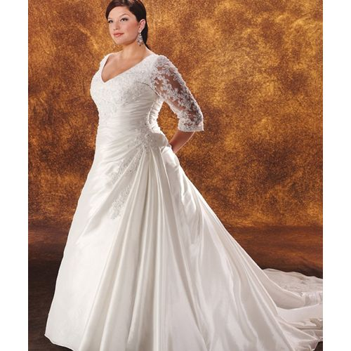 wedding dresses for bigger women with sleeves