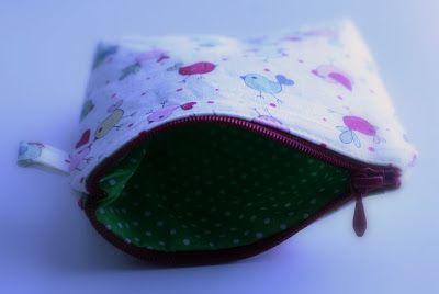 A small pouch with birdies