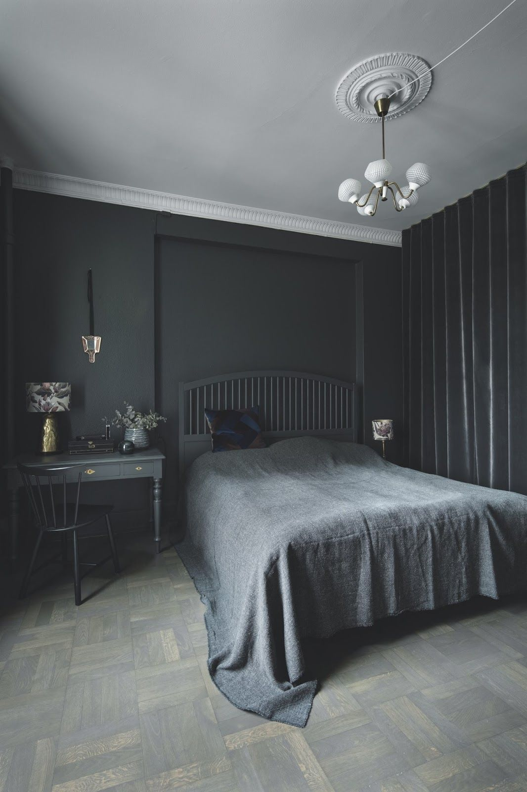 Black Painted Bedroom With An Amazing Decor Grey Bedroom With