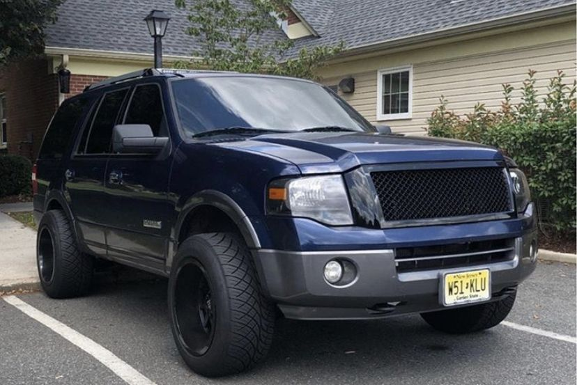 Pin By Ryan Simpson On Truks Ford Expedition Ford Excursion Expedition