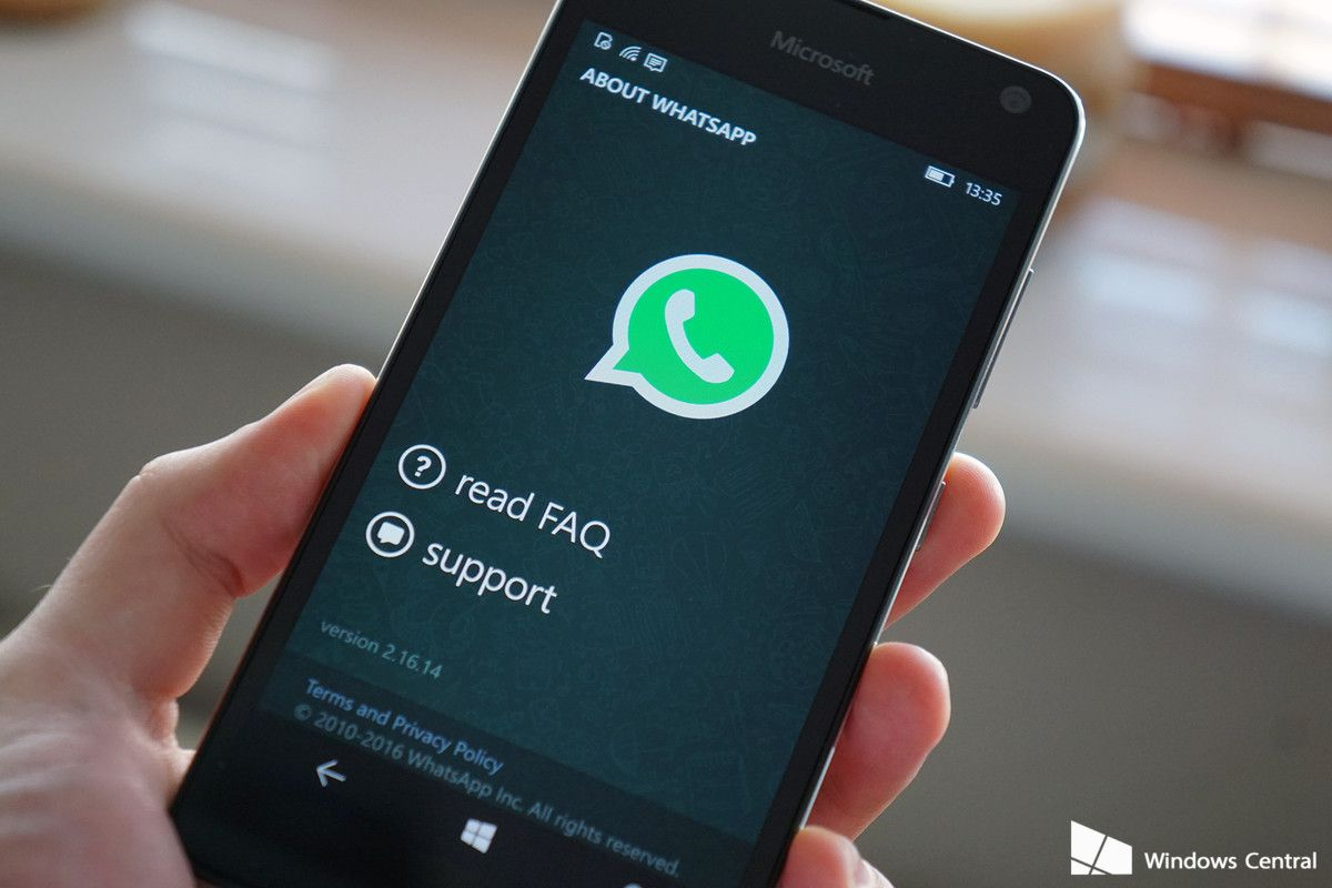 WhatsApp takes on Snapchat's Stories with Status App