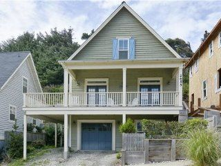 Rent this 3 Bedroom House Rental in Lincoln City for $220/night. Has DVD Player and Shared Outdoor Pool (Unheated). Read reviews and view 30 photos from TripAdvisor