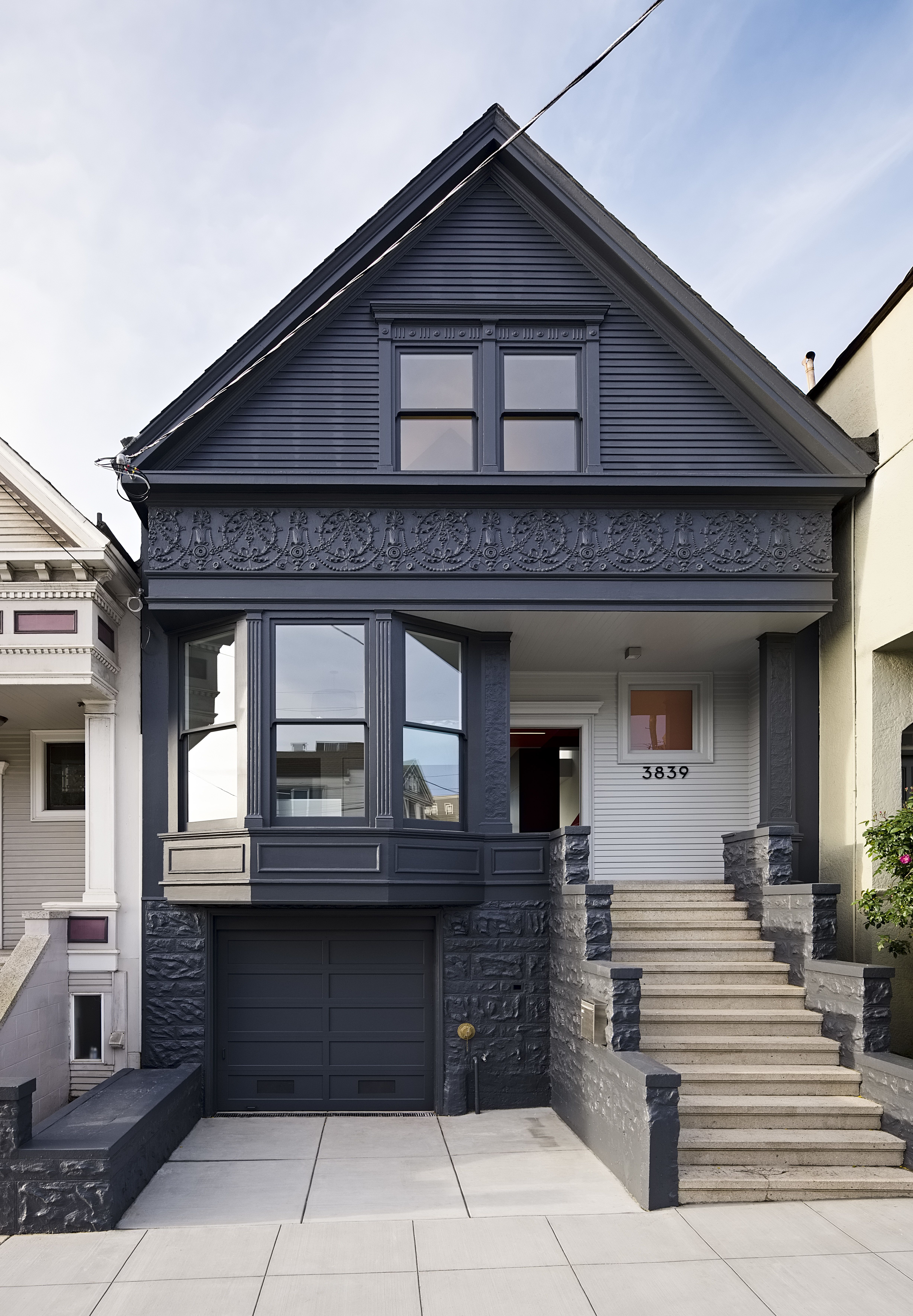 Photo 7 Of 16 In After A Renovation A Classic San Francisco Victorian Townhouse Gable House House Exterior
