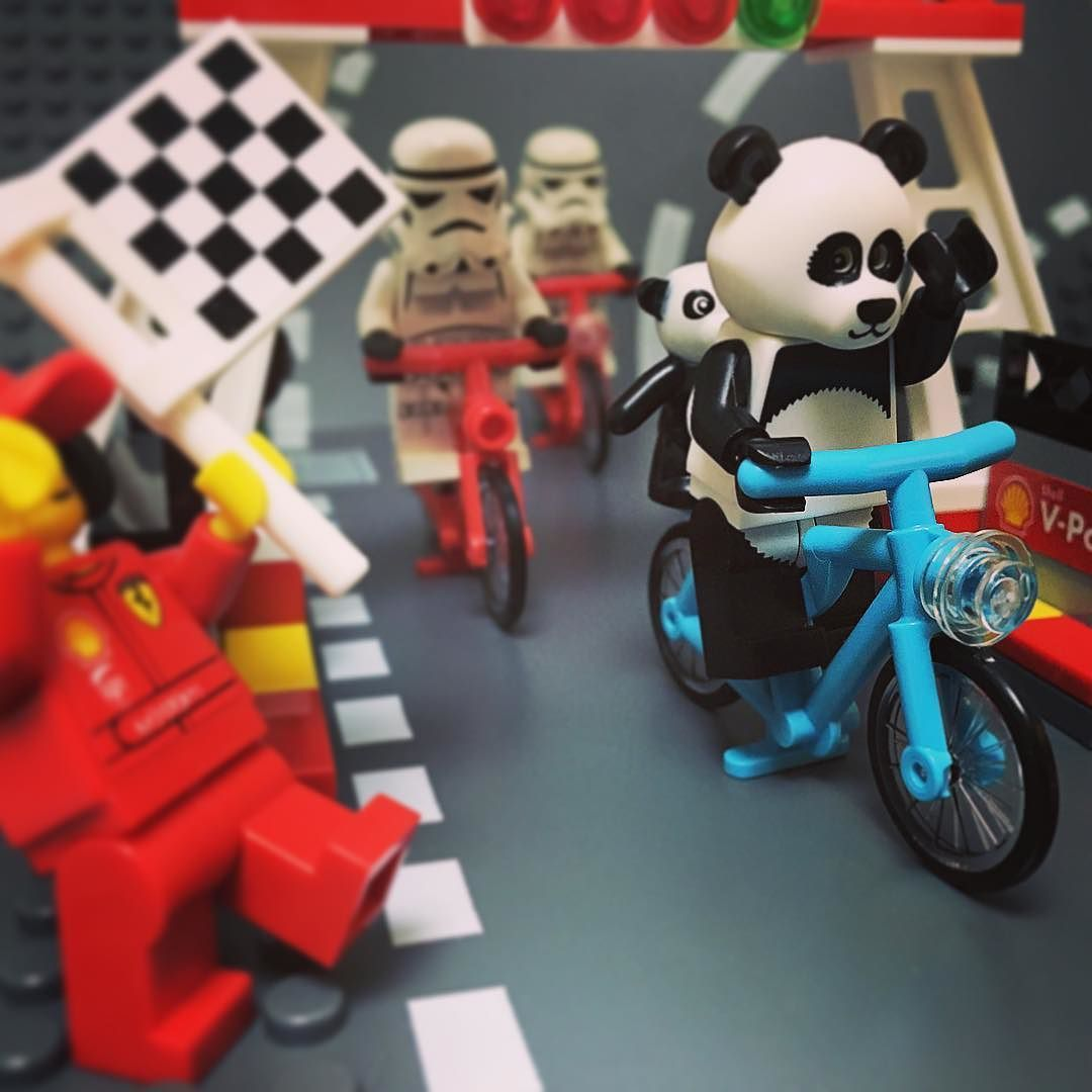 Winning is the panda! #lego#legos#legocity#legomovie#legostagram#legophotography#minifig#minifigures#brick#toy#panda#Racer#bicycle#victory#レゴ#ミニフィグ#パンダ#自転車#レース#優勝 by legojis