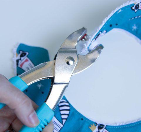 Poser des boutons pressions sans couture