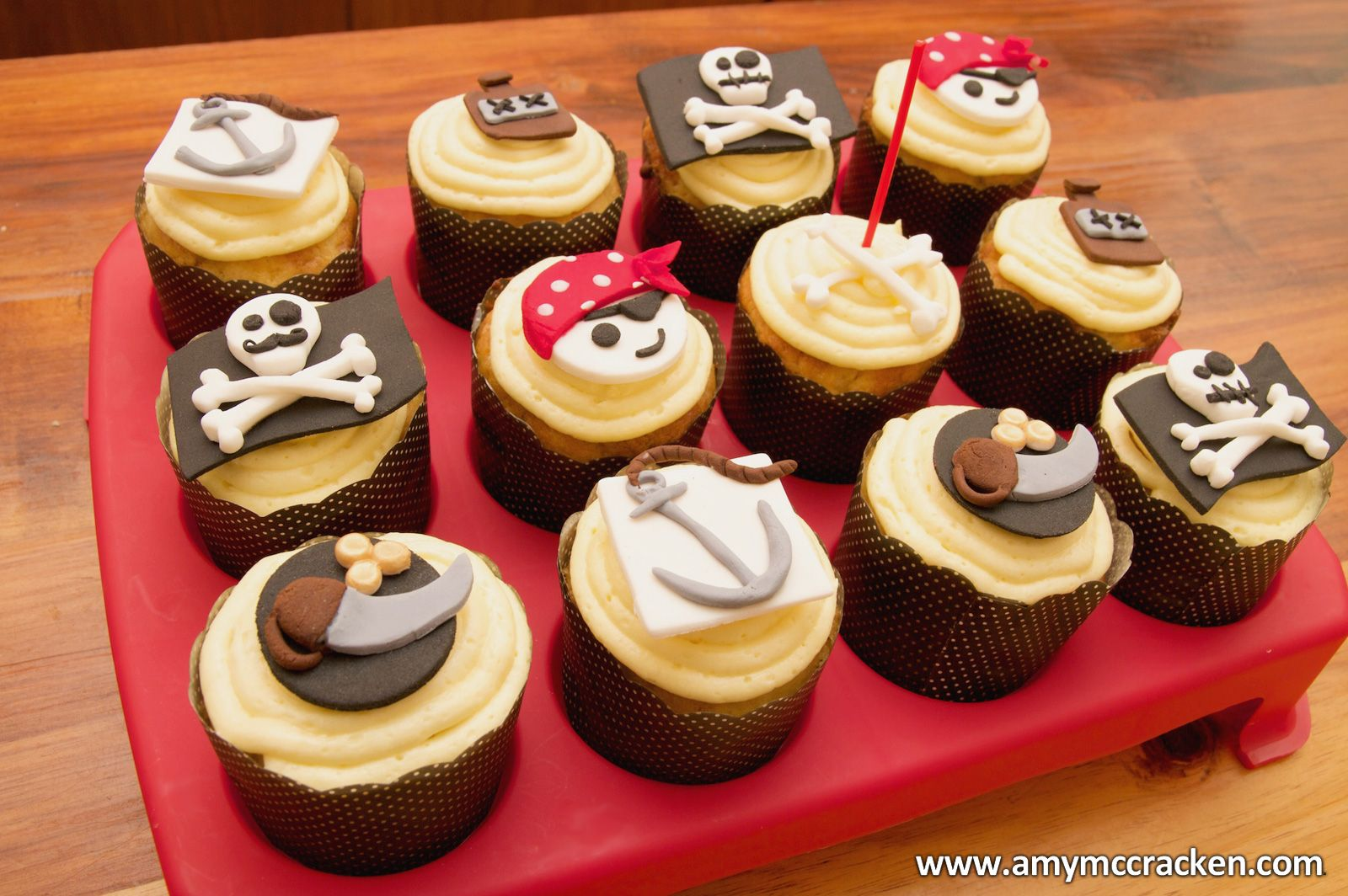 Cake ideas on pinterest pirate cakes marshmallow fondant and - Pirate Themed Cupcake Decorations And Recipe