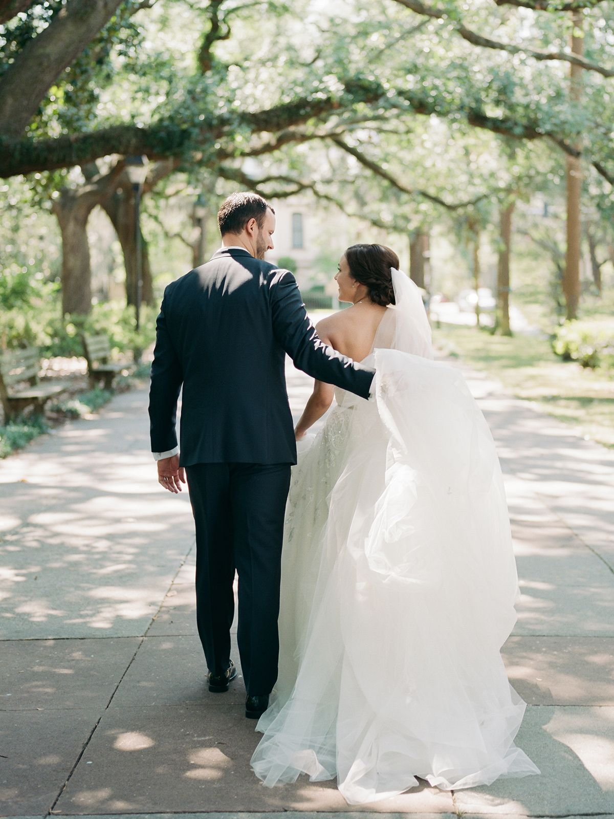 Garibaldi Cafe Wedding By Shannon Griffin Southern Weddings Savannah Wedding Savannah Wedding Photographer Southern Weddings