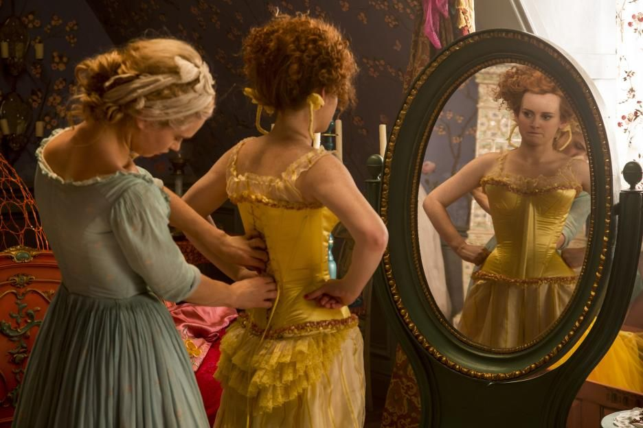 Cinderella yellow dress with sisters and stepmother