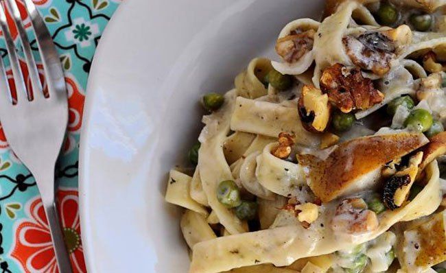 Herbed Pasta with Pears & Blue Cheese recipe