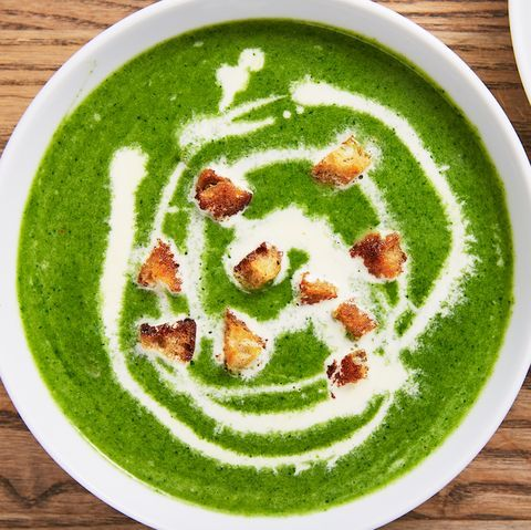 Creamy Spinach Soup Is The Coziest Way To Eat Healthy #spinachsoup