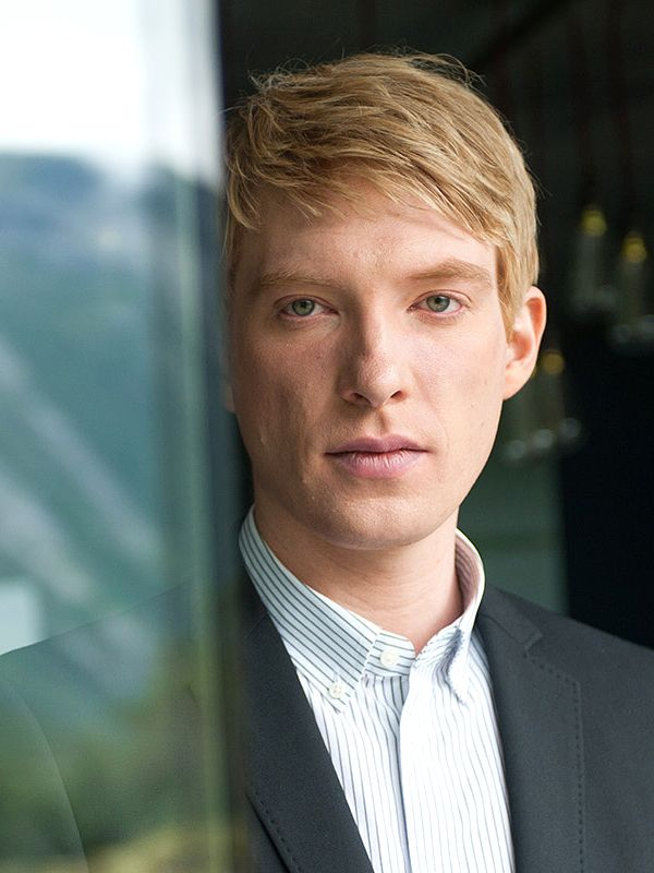 domhnall gleeson | Domhnall Gleeson - AlloCiné General Hux Modern AU (maybe?!)