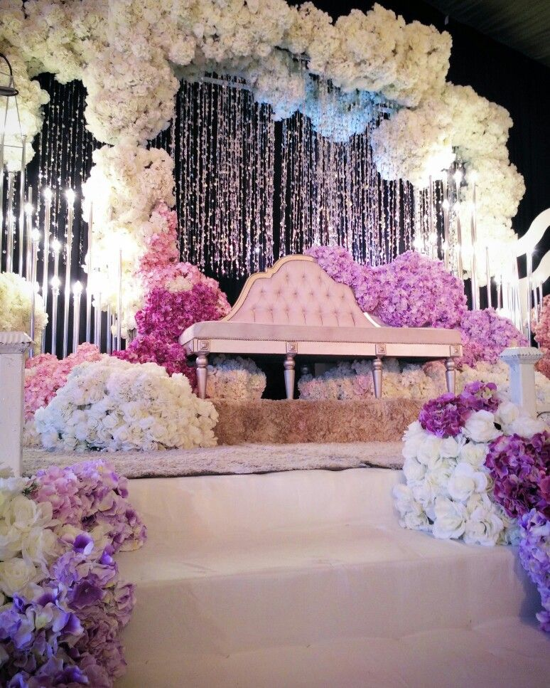 Wedding Stage Flower Decoration: Pin By Mohamad On PELAMIN SANDING DEWAN