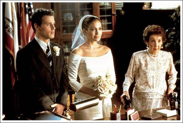 Jenifer Lopez In Her Wedding Dress During Making A Film